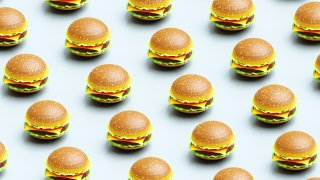 Here are the best deals and freebies for National Cheeseburger Day.