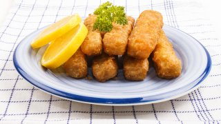 A plate of fish sticks