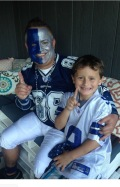 [UGCDFW-CJ]I sent my daughters picture and this is my son. Me: Patrick my son is named after Tom Landry his nam