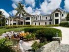 An Oceanfront Compund in Palm Beach