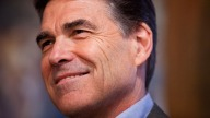 After Steady Heckling, Perry Meets With Protesters