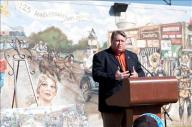 [UGCDFW-CJ-tmsg/wyw]Photos-Wylie's 125th Anniversary Celebration and Mural Dedication