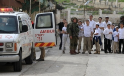 Palestinian Shot Dead After Stabbing Soldier