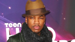 Ne-Yo Busts a Move at the Grammy Nominations Concert
