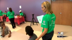 NBC 5 Employees Volunteer To Help Local Children