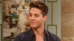 """Dean Geyer Gets Intimate with Kate Hudson on """"Glee"""""""