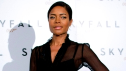 "Naomie Harris Talks Sensual ""Skyfall"" Shaving Scene With Daniel Craig"