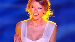"""Taylor Swift's """"Red"""" Is Biggest Album in 10 Years"""