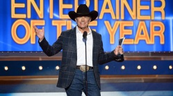 Crowds Excited for George Strait's Last Concert