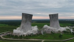 Video Shows Cooling Towers Implosion