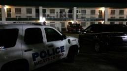 Officer Kills Knife-Wielding Man at Weatherford Motel
