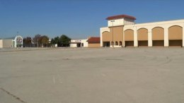 Six Flags Mall Returns as Plaza Central