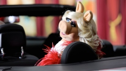 Miss Piggy's Top Fashion Moments