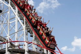 Six Flags Shares Dropping Faster Than a Roller Coaster