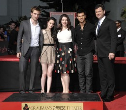 """Twilight"" Author Chats about ""Breaking Dawn""and Her Production Company"