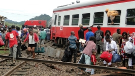 Overloaded Trail Derails in Cameroon, Killing at Least 53