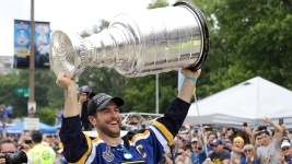 Fans Pack Downtown St. Louis to Cheer on the Champion Blues