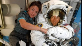 NASA Moves Up 1st All-Female Spacewalk Over Issues at ISS