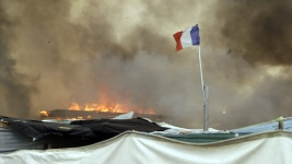 Fires Break Out Amid Evacuation of French Migrant Camp