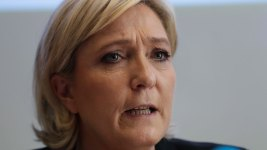 Le Pen Refuses Headscarf, Talks With Lebanon Cleric Nixed