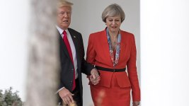 British PM: Trump Was 'Being a Gentleman' by Holding My Hand