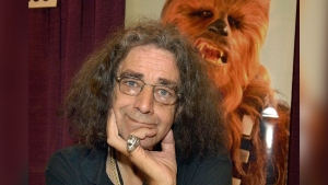 Peter Mayhew, Chewbacca Legacy Remembered at Dallas Fan Expo