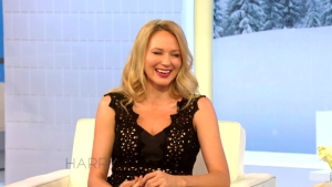 Jewel Talks Horse with Harry
