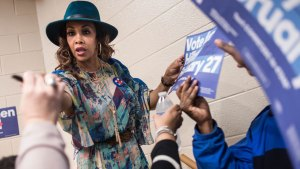 Presidential Contenders Fight for Minority Voters in SC