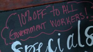 Restaurant Offers Discount to Government Employees