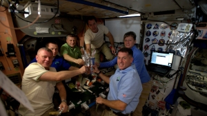 Astronauts to Feast on Pouches of Turkey on Thanksgiving