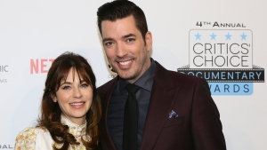 Deschanel, Scott Make Their Romance Red Carpet Official