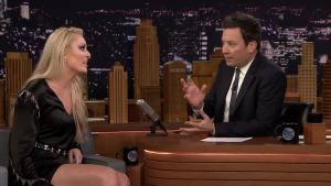 'Tonight': Vonn Makes Fallon Model an Olympic Onesie
