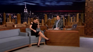 Katie Holmes Dances Like Beyoncé on 'Tonight'