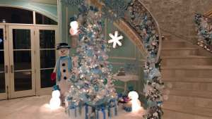 Dallas Home Takes Decorations to New Level