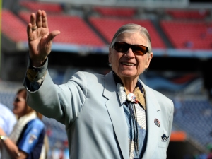 Titans Owner Guarantees 2011 NFL Season