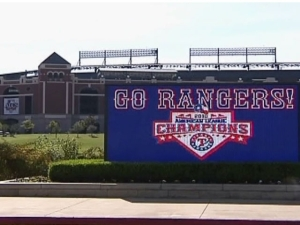 Fan Sues Rangers Ballpark, Concessions