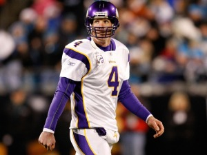 Favre Watch Has NFC Oddsmakers Scrambling