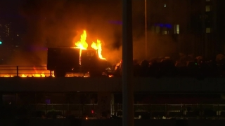 [NATL] Hong Kong Protesters Fight With Fire as Police Storm University