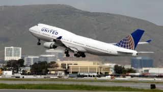 Woman Dies Aboard London-to-Newark Flight