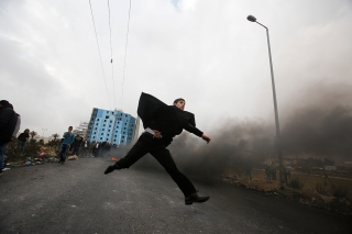 Top News: Israeli Troops Clash With Palestinian Protesters