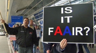 AA Unions Picket at DFW Airport