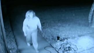 Video Shows Thief Stealing Christmas Decorations