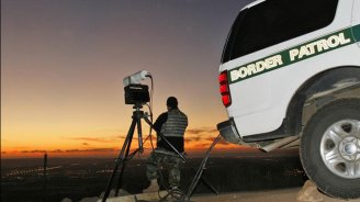 Border Patrol Finds 12 in Unventilated Truck