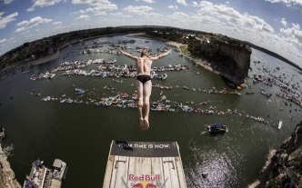 NTX Lake Hosts Global Cliff Diving Competition