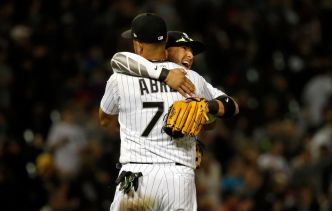 Jose Abreu, Lucas Giolito Led White Sox Over Rangers