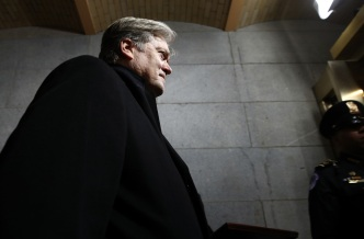 Trump Aide Bannon Opens Up to Press on Korea, Statues