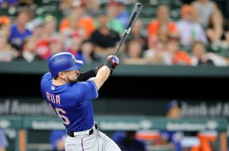 Rua's Home Run in 7th Leads Rangers to Win Over Orioles