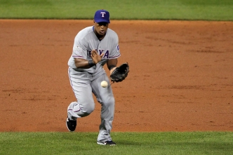 Beltre the 11th Ranger to Win a Gold Glove