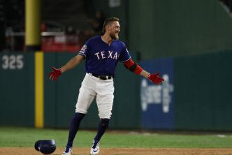 Pence a Free Agent After Comeback Year With Hometown Rangers