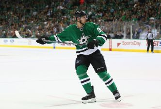 Spezza Scores 2 After Scratch and Stars Beat Red Wings
